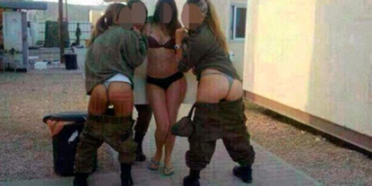FOTOS: Mujeres soldados posan con ropa interior y lo publican en Facebook