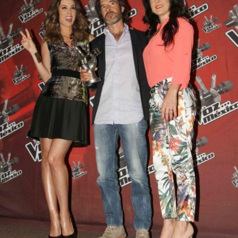 Jacky, Miguel Ángel Fox, productor del programa, y Lidia Ávila Foto:Notimex