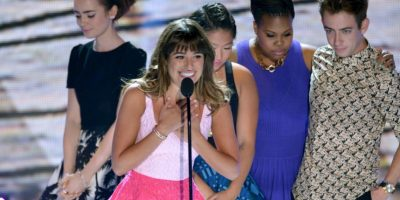 FOTOS: Michele le dedica su premio Teen Choice a Monteith
