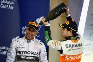 Ahora 'Checo' le regresó el gesto Foto:Getty Images. Imagen Por: