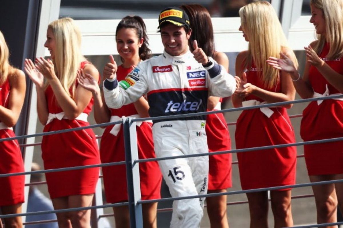 El podio de 'Checo' en Monza, Italia Foto: Getty Images
