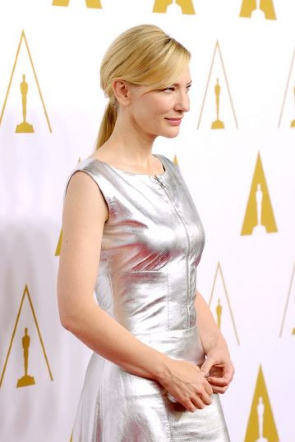 Cate Blanchett. La actriz australiana ha sorprendido a críticos lo mismo cuando interpreta a Bob Dylan que a la reina Isabel; estudió economía y bellas artes en la Universidad de Melbourne. Foto:Getty