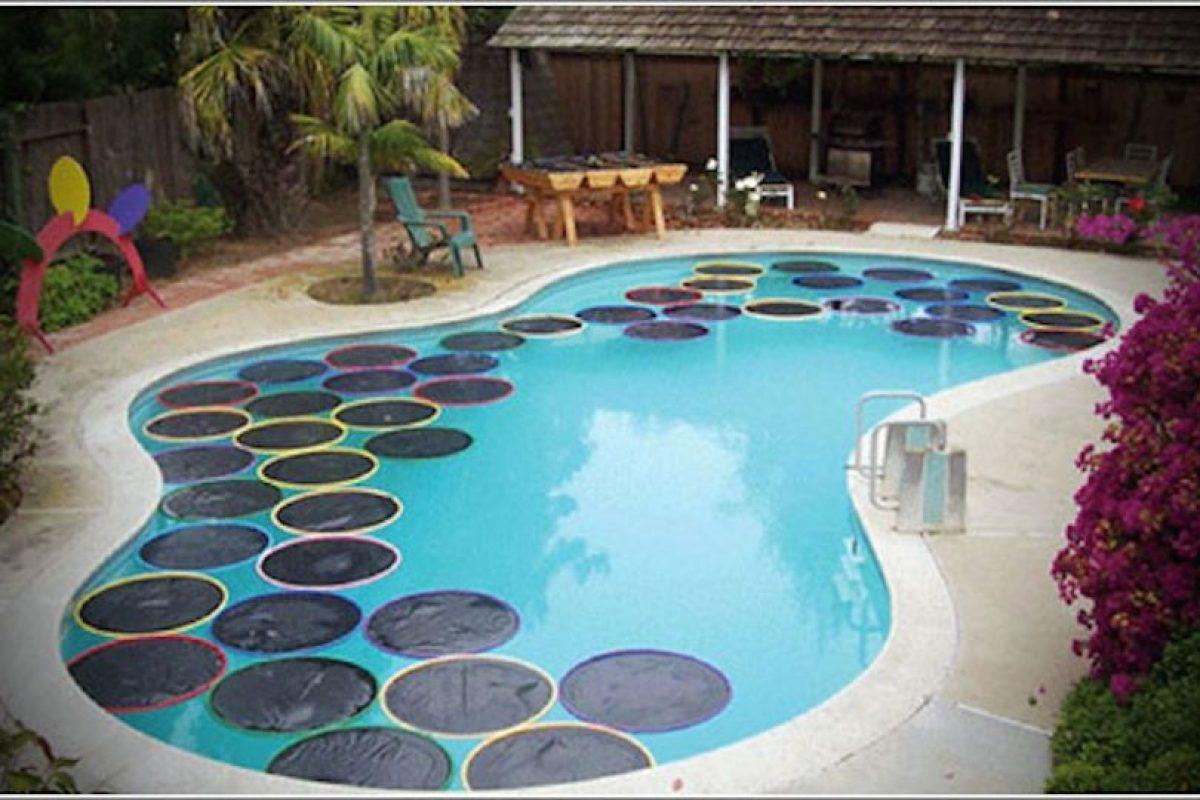 Video c mo calentar el agua de una piscina sin gastar for Calentar agua piscina