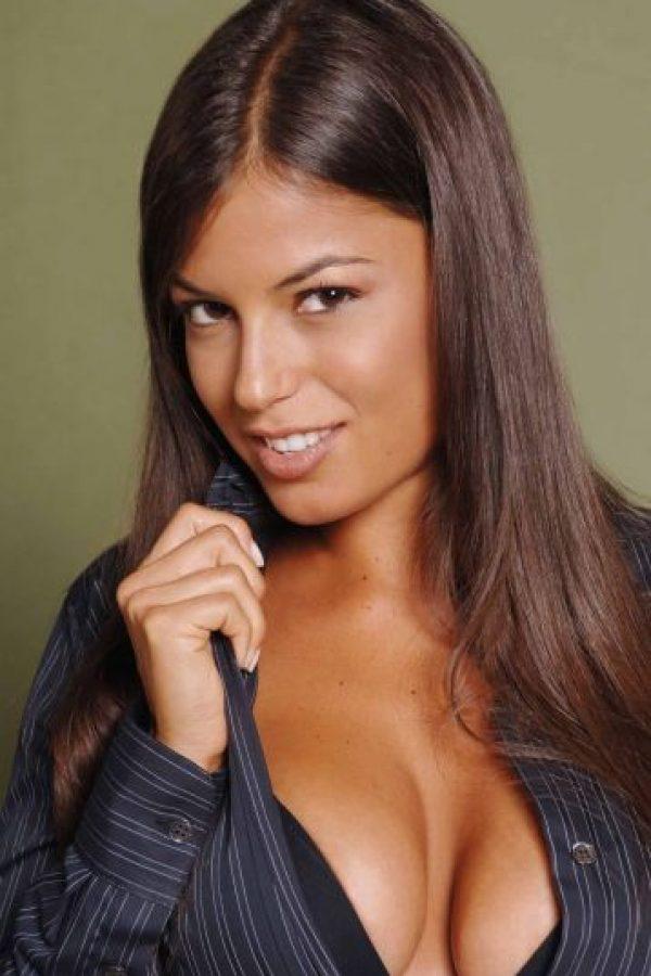 1 ella es mexicana y se llama ingrid coronado - 2 10