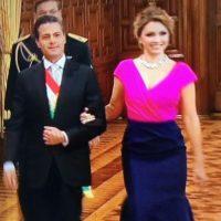 Angélica Rivera fue bastante criticada por su vestido de Óscar de la Renta para las fiestas patrias. Foto:Twitter