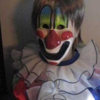 """Aunque eventualmente el asesino de """"Halloween"""" utilizó un traje poco relacionado con los payasos. Foto:Vía IMDB"""