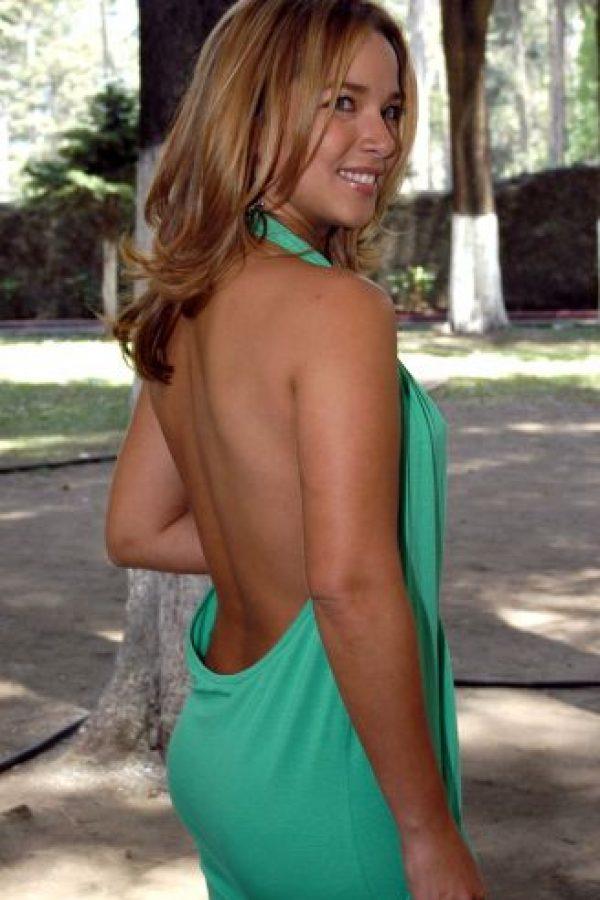 Adamari López, descubrió el año 2005 durante un autoexamen, una pequeña bolita en el seno, que resultó ser un tumor de 1,4 centímetros. Se sometió a una mastectomía parcial y a una cirugía de reconstrucción de seno, para después exponerse a seis meses de quimioterapia. Foto:Cuartoscuro