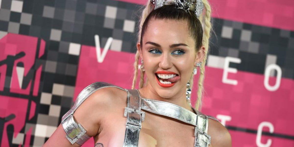 FOTOS: Filtran imágenes de Miley Cyrus dándose placer sexual