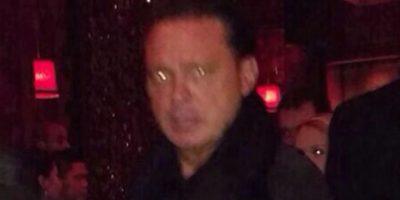Los reportes indican que Luis Miguel ya había bebido varias copas antes de que le tomaran la foto. Foto:TV Azteca