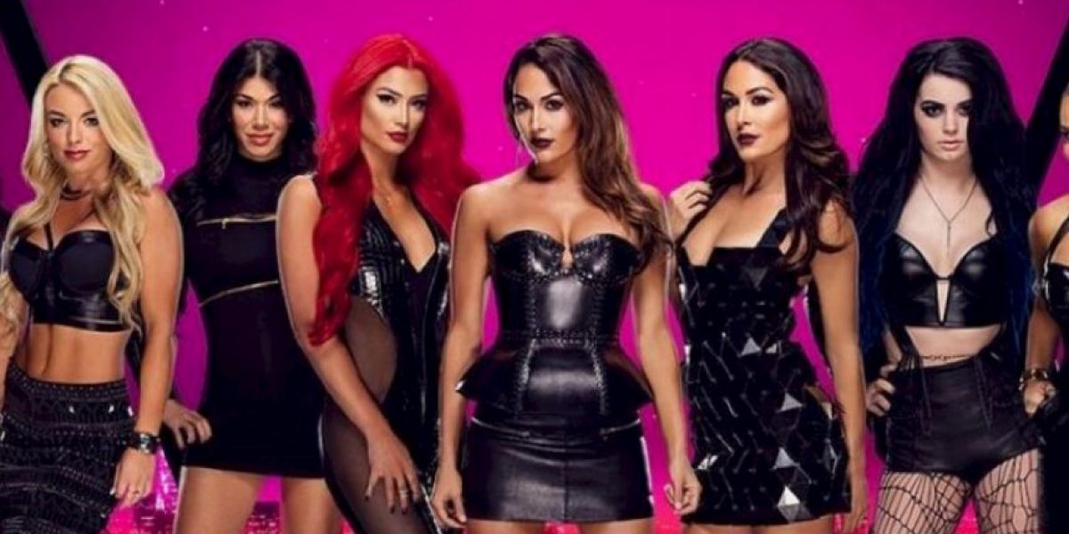 4 divas de WWE que sufrieron accidentes de vestuario en el ring