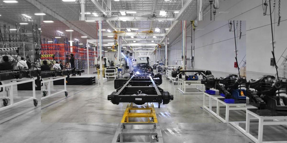 Disminuye industria automotriz su producción en febrero