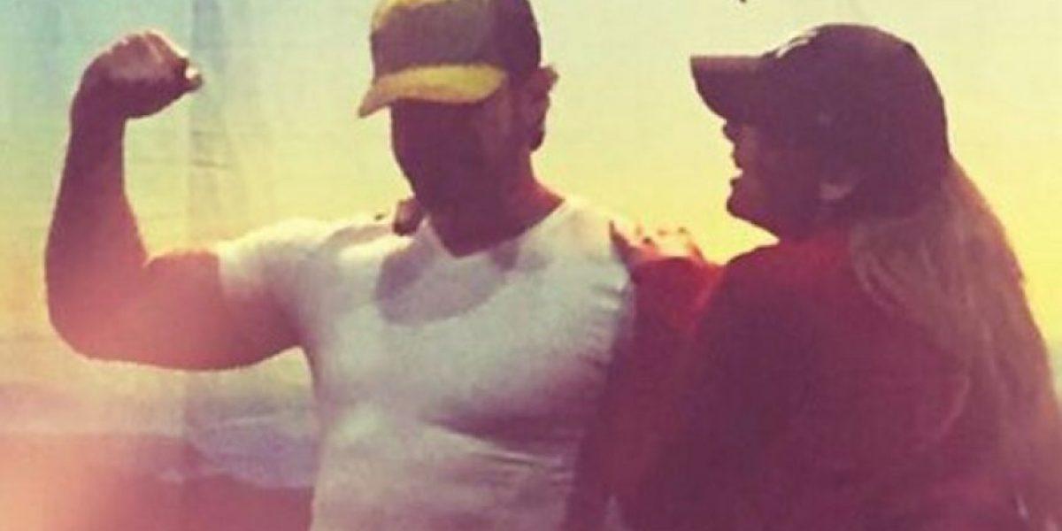 Gabriel Soto coquetea con Marjorie de Sousa en la playa