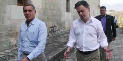 El gobernador de Oaxaca, Gabino Cué también acudió a la SEP. Foto:Cuartoscuro/Archivo