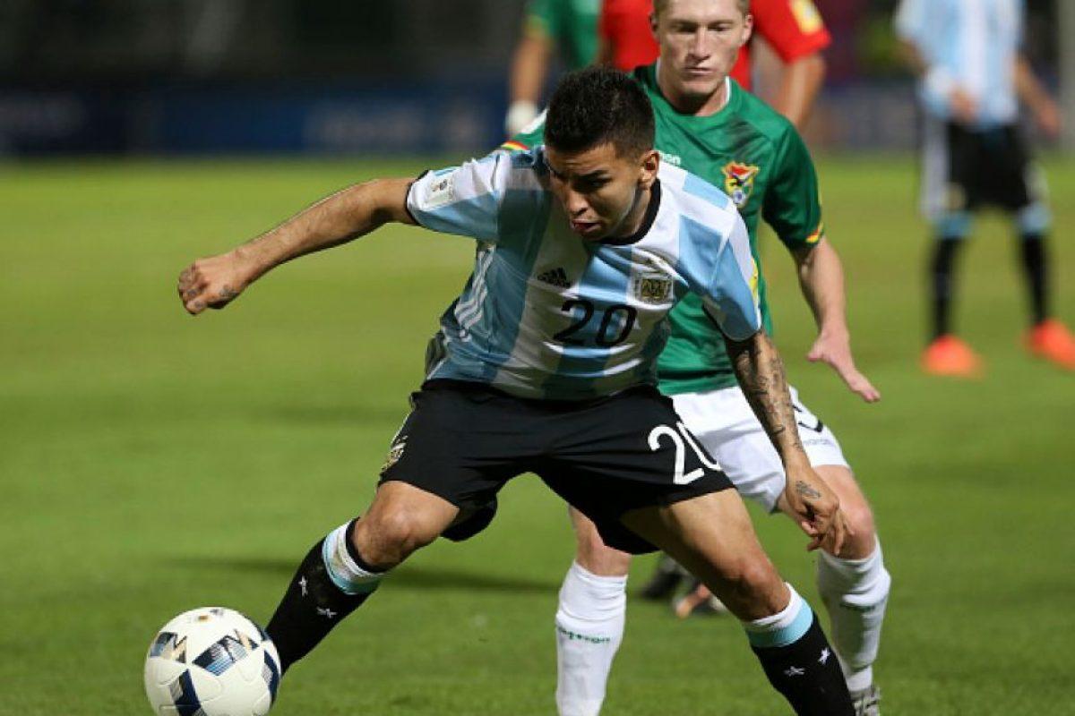 """El momento se hizo popular en redes sociales, donde se destacó el gesto de Lionel Messi, capitán de Argentina, quien aparentemente le """"negó"""" el saludo al capitán de Bolivia. Foto:Getty Images"""