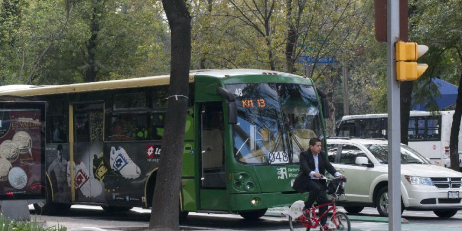 La demanda de transporte público no se da abasto con las unidades actuales. Foto:Cuartoscuro