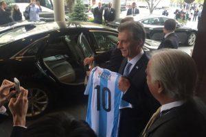 Las cuales fueron entregadas por Mauricio Macri, presidente de Argentina, quien está en Estados Unidos por la Cumbre Mundial de Seguridad Nuclear. Foto:Vía twitter.com/rmathus