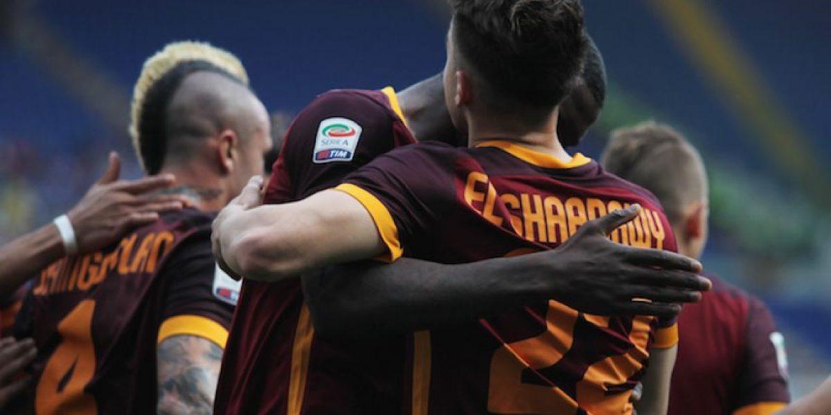 Roma golea en el derbi, Nápoles cae y Juventus es más líder