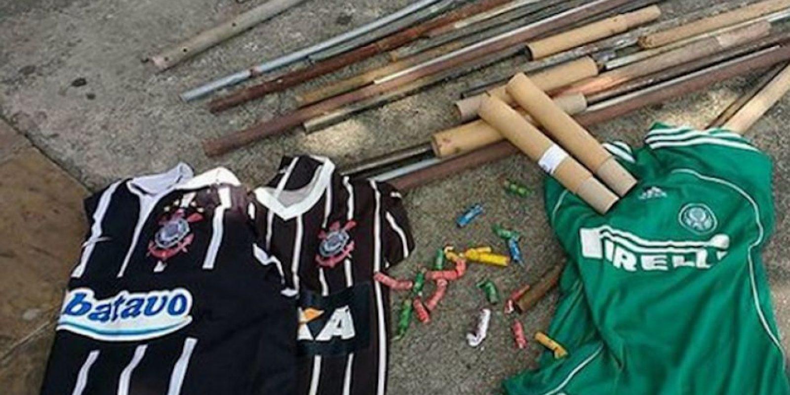 Playeras de Palmeiras y Corinthians quedaron varadas en las calles de Brasil Foto:Twitter