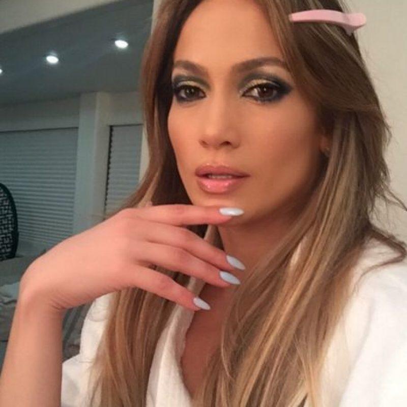 """""""J. Lo"""" se ha casado tres veces: con el cubano Ojani Noa, con su exbailarín Cris Judd y con el cantante Marc Anthony. Tambien salió con el actor Ben Affleck. Foto:Vía instagram.com/jlo"""