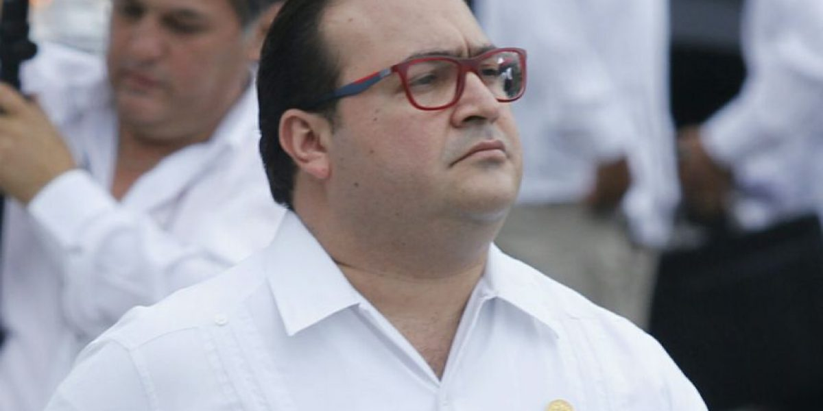 Duarte se enfrasca en ataques contra Yunes y Reforma en Twitter
