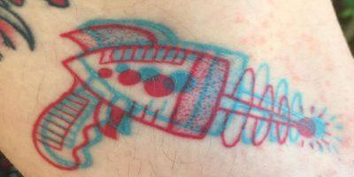 Gracias a esto, Dave, el artista tatuador ha incrementado su negocio. Foto:Instagram/winstonthewhale