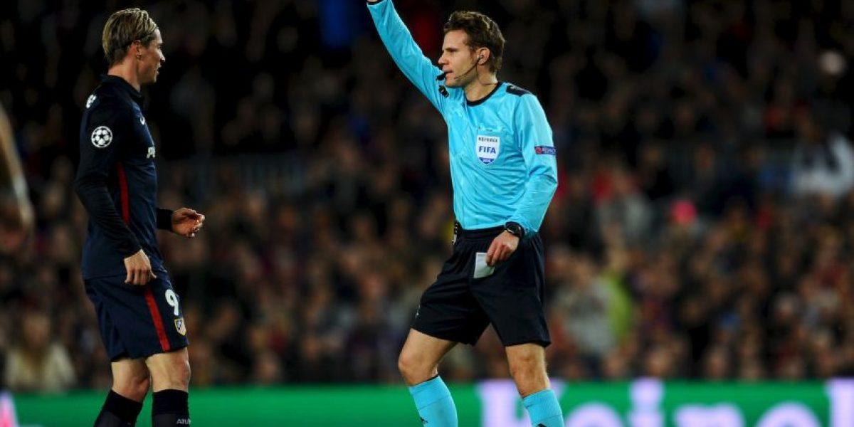 Barcelona vs Atlético de Madrid: Por esta patada Fernando Torres fue expulsado