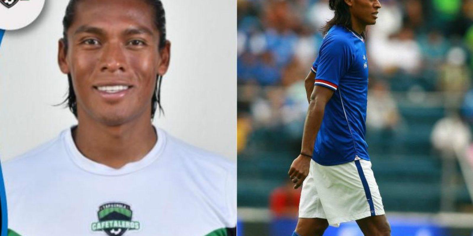 Joel Huiqui llegó a ser seleccionado nacional y titular en Cruz Azul. Su nivel ha venido a menos y ahora juega en la Primera División A. Foto:Mexsport