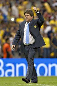En el Apertura 2013 (último de Herrera como técnico del América), las Águilas ganaron todos sus juegos de local en la fase regular. En la liguilla empataron con Tigres y le ganaron al Toluca, pero en la gran final no pudieron con el León ante quienes cayeron 1-3. Foto:Mexsport