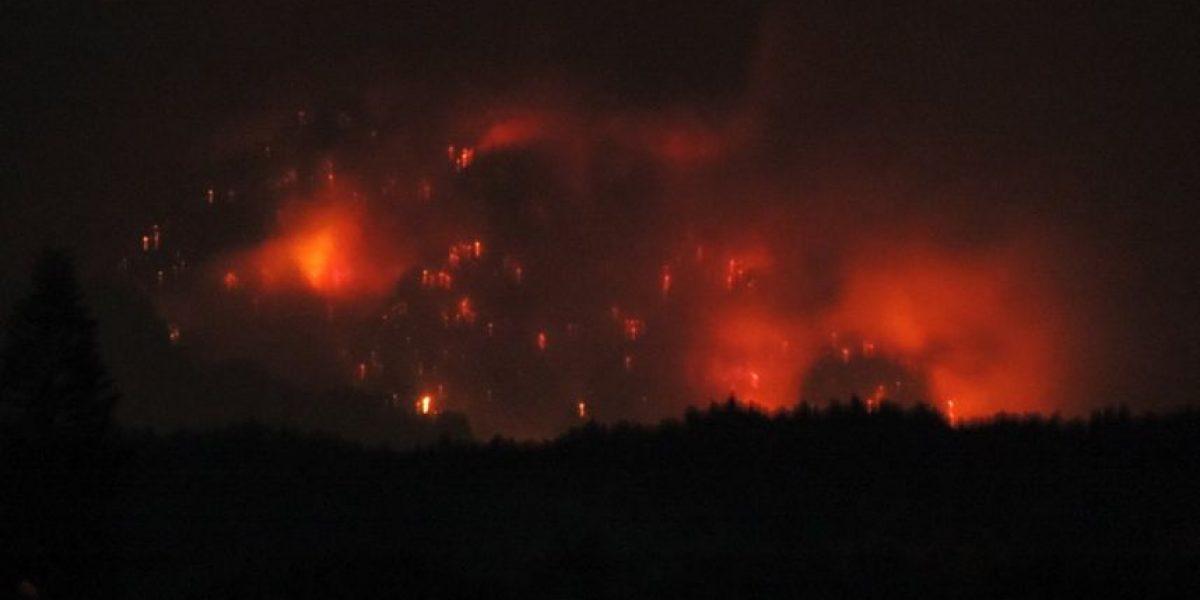 Colaboran gobiernos de Estado y la Ciudad de México a combatir incendio en Tepoztlán