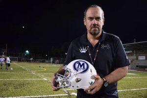 Ernesto Alfaro, entrenador en jefe de Mayas, el primer equipo en calificar al Tazón México I Foto:Carmen Ortega