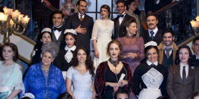 El elenco de El Hotel de los Secretos en la presentación de la serie. Foto:Agencia JDS