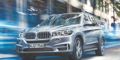 BMW X5 X-Drive 40e. Cuenta con un potente motor de gasolina de cuatro cilindros BMW TwinPower Turbo con un eficiente motor eléctrico BMW eDrive. Precio desde un millón 99 mil 900 pesos. Foto:BMW