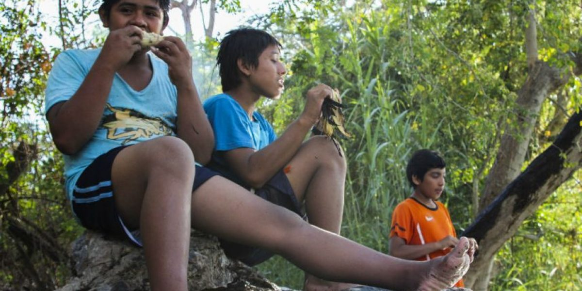 Michoacán prohibe matrimonio a menores de 18 años