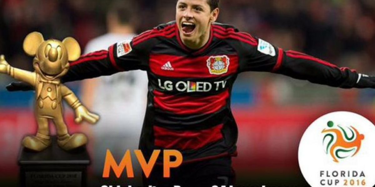 VIDEO: Chicharito recibe el