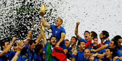 El excampeón del mundo golpeó a su asistente técnico en pleno partido Foto:Getty Images