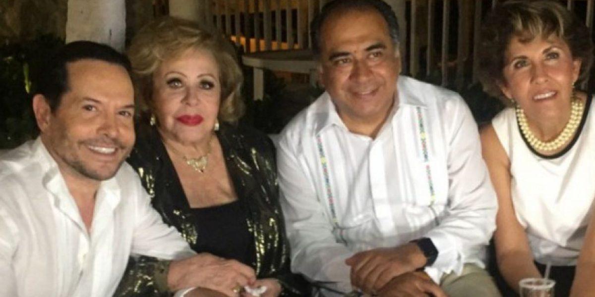 """Silvia Pinal es galardonada como """"Embajadora de la Paz"""" en Acapulco"""