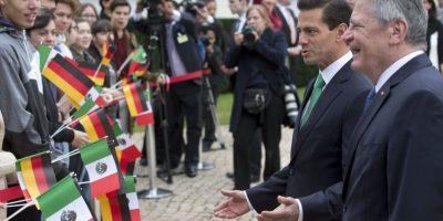 El presidente Enrique Peña Nieto fue recibido por su homólogo alemán, Joachim Gauck