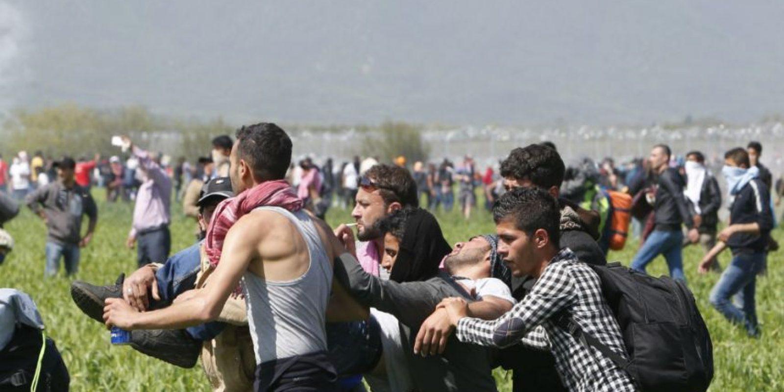 Kyritsis instó a los refugiados a no creer en rumores e informaciones intencionadamente falsas Foto:AP