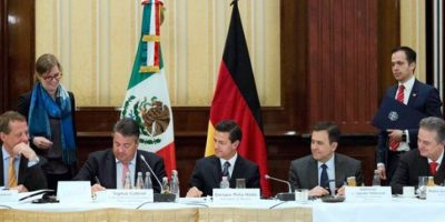 El presidente Enrique Peña Nieto, durante la reunión con cámaras empresariales en Alemania Foto:@PresidenciaMX
