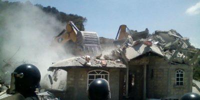 El objetivo era resguardar la maquinaria y derrumbar viviendas donde pretende se realice la construcción de la autopista de cuota Naucalpan-Toluca concesionada al Grupo HIGA. Foto:Cuartoscuro