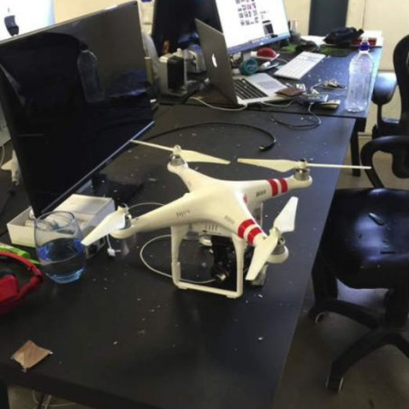 Pero luego se percató de la realidad: era un drone. Foto:David Perel