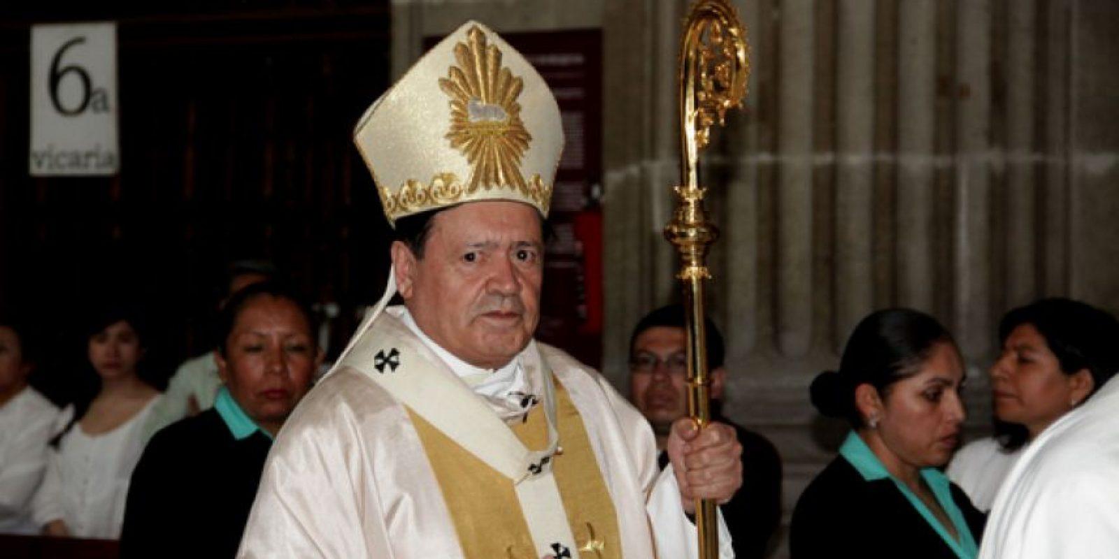 El cardenal Norberto Rivera Carrera mantuvo la distancia con el enviado del Vaticano. Foto:Cuartoscuro