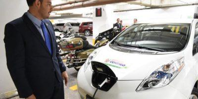 Marko Cortés dijo que la carga de la batería del auto eléctrico que adquirió cuesta entre 40 y 50 pesos Foto:@MarkoCortes