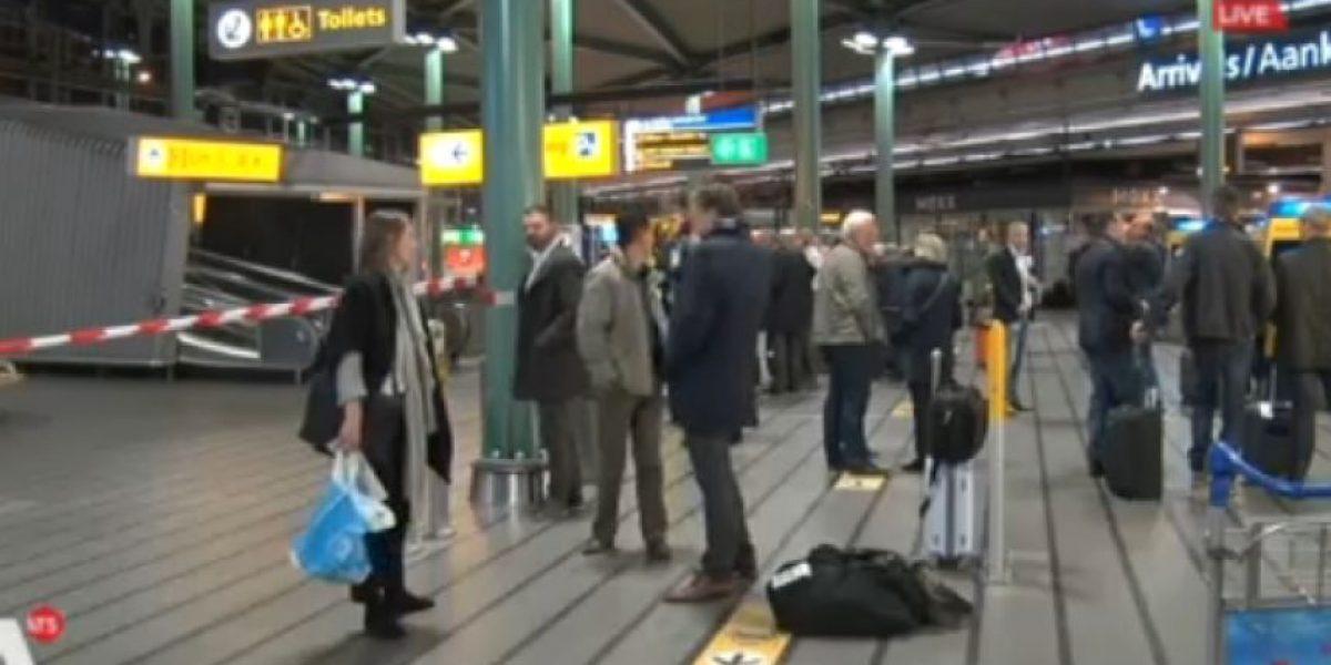 Reabren aeropuerto de Amsterdam tras falsa alarma
