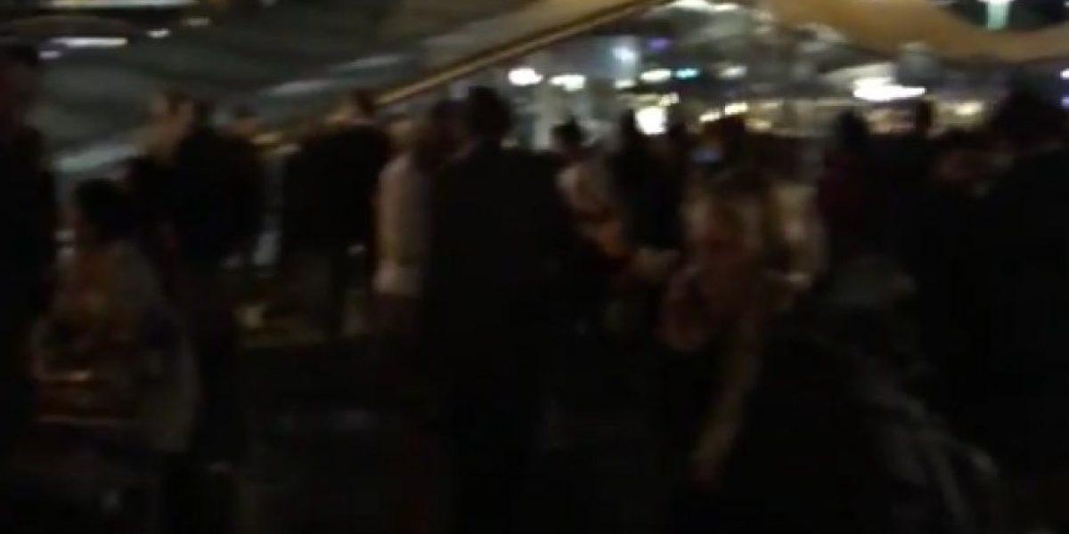 Evacuan aeropuerto de Amsterdam por amenaza de bomba