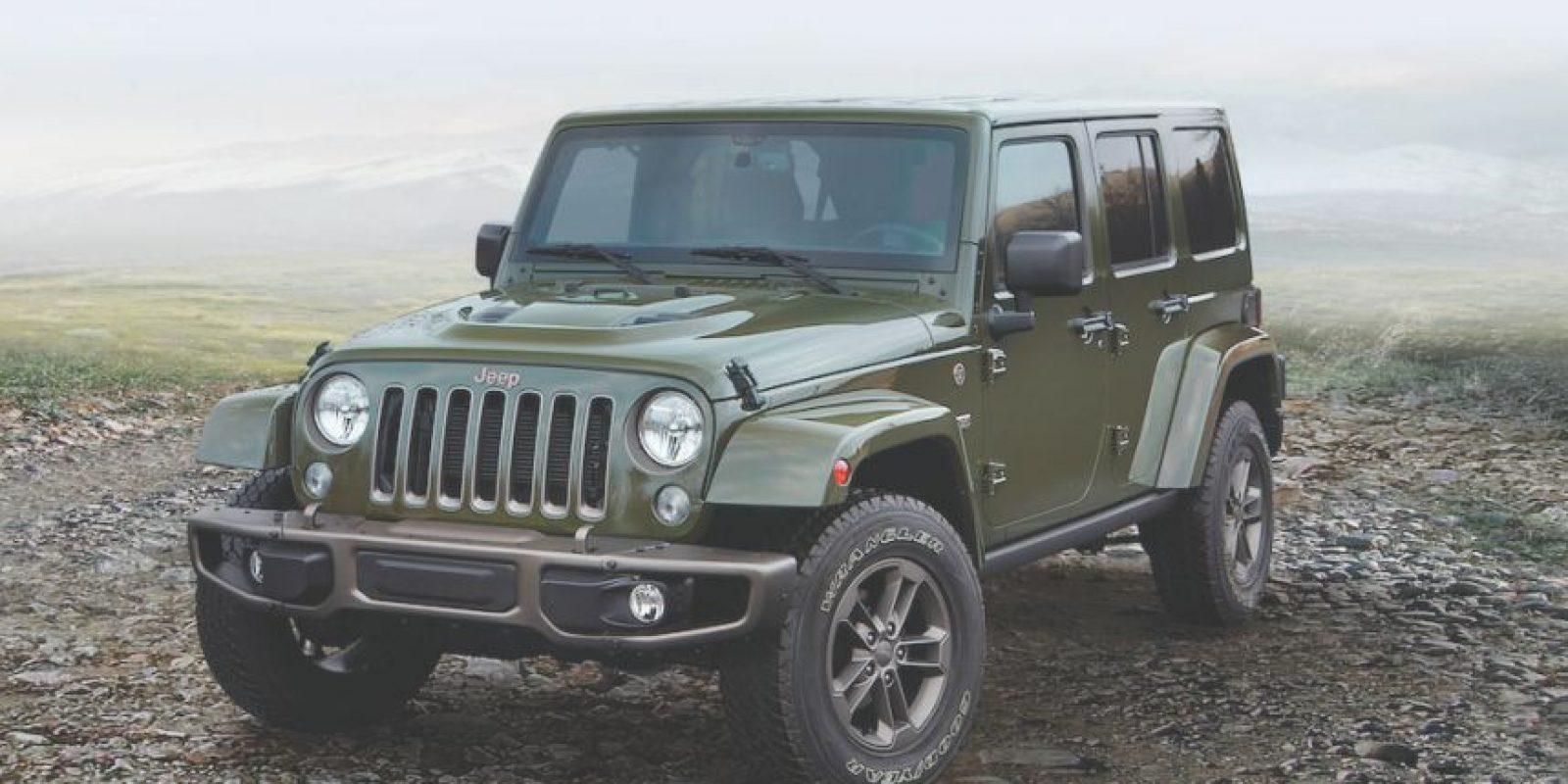 El rey de todos los vehículos 4X4 estadounidenses es, sin duda, el Wrangler, un ícono en capacidades fuera del asfalto. Con una edición especial del 75 Aniversario de la marca, celebramos la fiesta llevándolo al límite en el desierto. Foto:Jeep