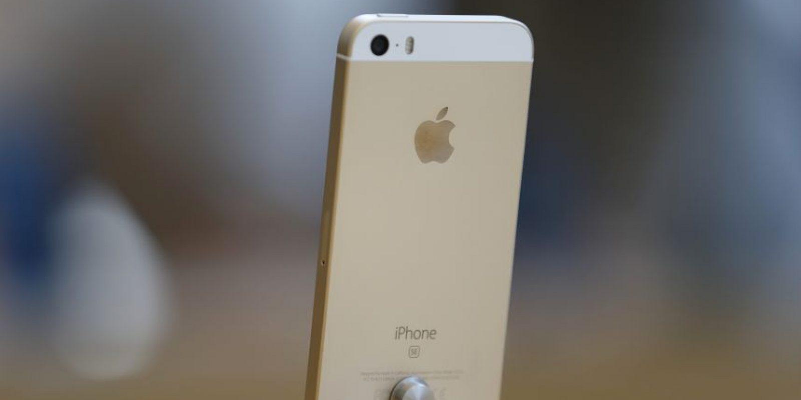 El dispositivo es una versión mejorada del iPhone 5s Foto:getty images