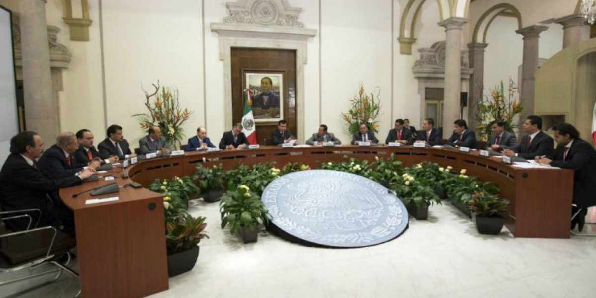 Osorio Chong se reúne con gobernadores de 12 estados con elecciones