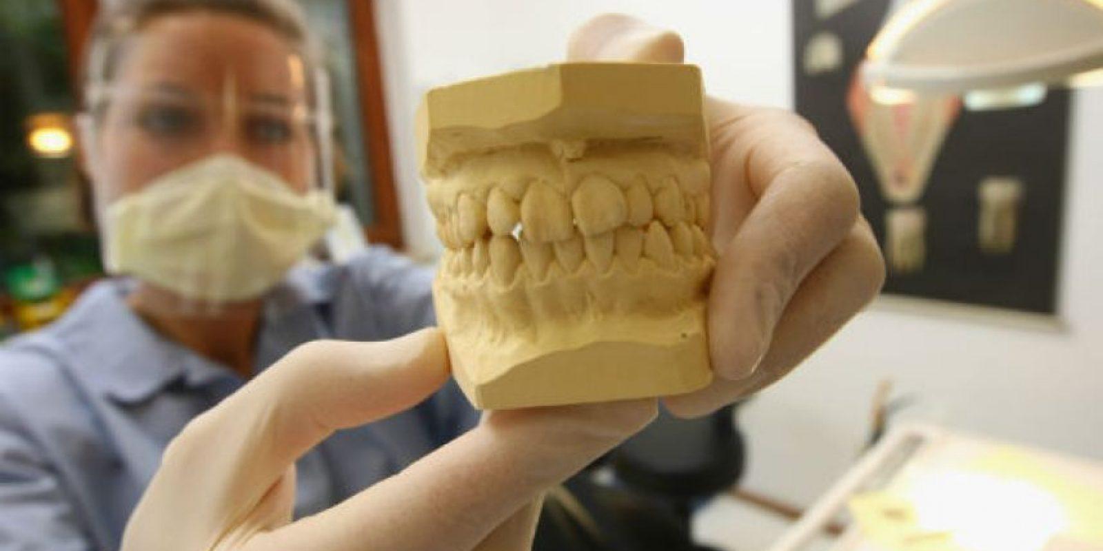 Normalmente un ser humano a la edad adulta posee en su boca un total de 32 dientes. Foto:Getty Images
