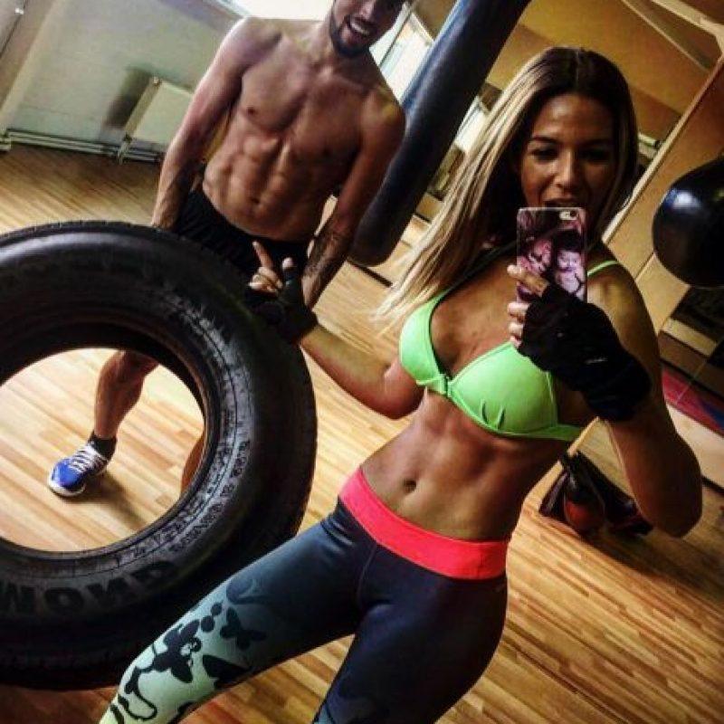 Ezequiel Garay se mantiene en forma al lado de Tamara Gorro Foto:Vía instagram.com/tamara_gorro